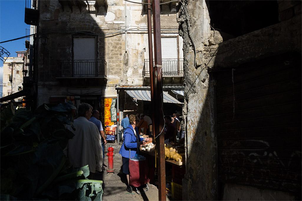 Palermo Sicily Sicilia Mercato Capo Italy Italia mercado market street Strassen urbano