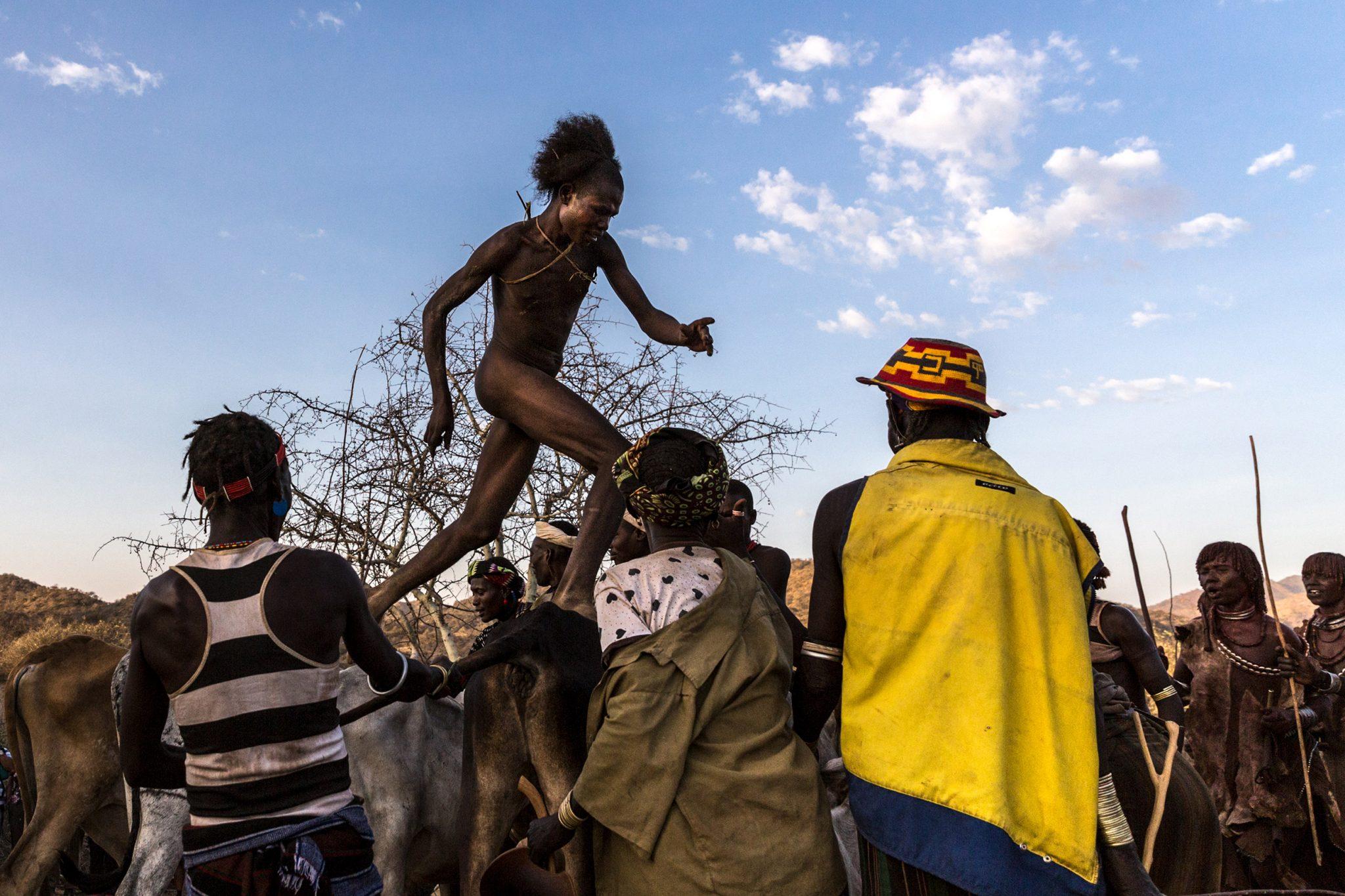Ethiopia Omo Valley Etiopía Bull Jumping Salto del Toro Hamer Southern Nations Hamar Äthiopien Der Sprung über die Rinder