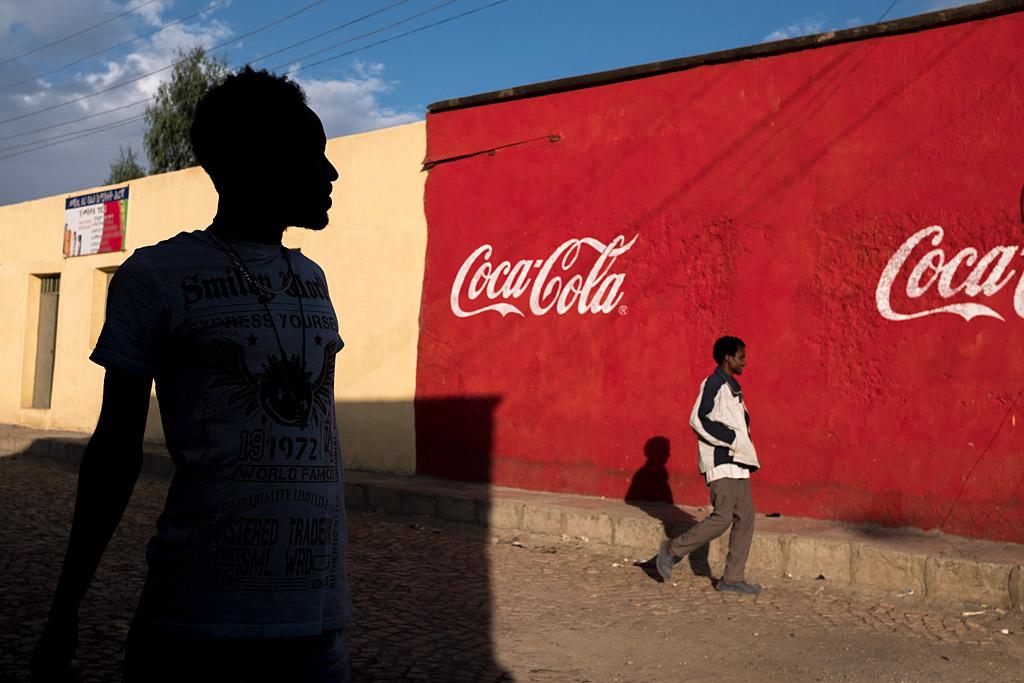 etiopía ethiopia axum silhouette africa streetlife street shadows sombras anarivasphotography anarivasimages